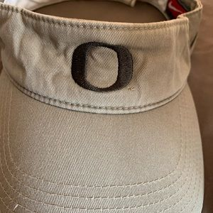 Nike Accessories - Nike Oregon Ducks Visor Hat